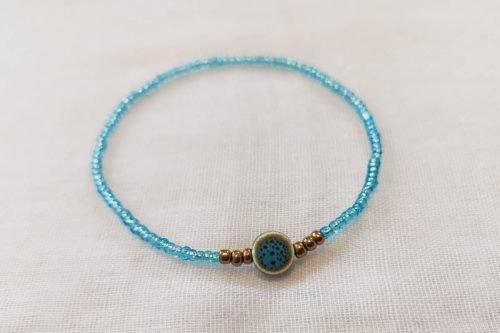 blue-seedbead-bracelet