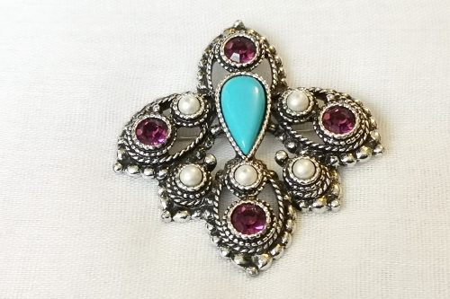 sarah coventry imperial brooch