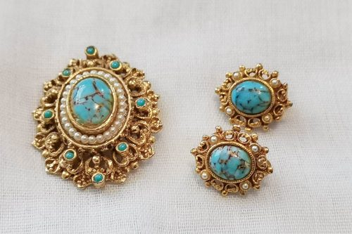 turquoise brooch and earrings