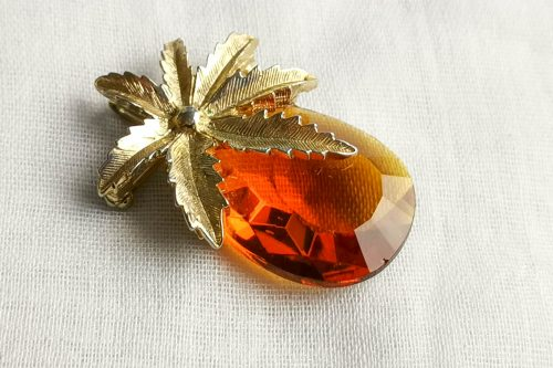 sarah coventry pineapple brooch