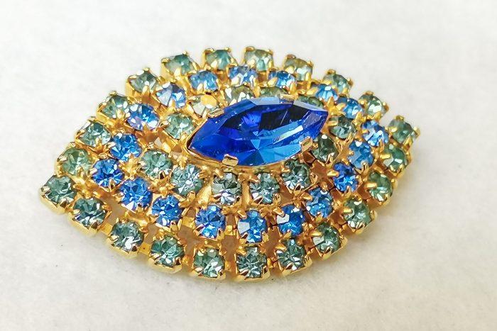 sky blue rhinestone brooch